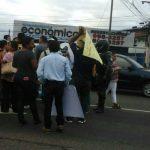 PROTESTAN POR INCUMPLIMIENTO DE PROMOTORAS EN RED VIAL