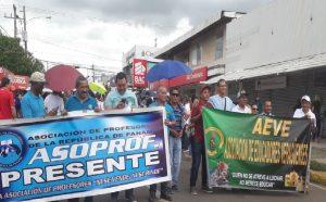 Docentes salen a las calles antes que inicie el nuevo gobierno del Presidente Cortizo.