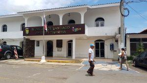 Buscan recuperar deuda de impuestos en el Municipio de Santiago.