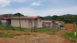 Beneficiarios del programa Techos de Esperanza no tienen agua ni luz.