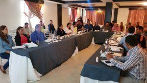 Autoridades en Santiago, se reúnen con Meco, para buscar solución al problemas de las calles