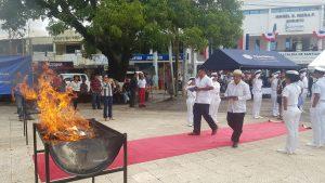Con la cremación de banderas, inician las festividades patrias en Veraguas.