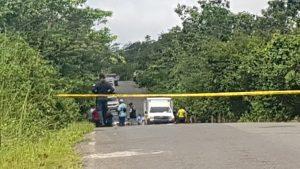 Asesinan a tres personas en Las Palmas, autoridades investigan.